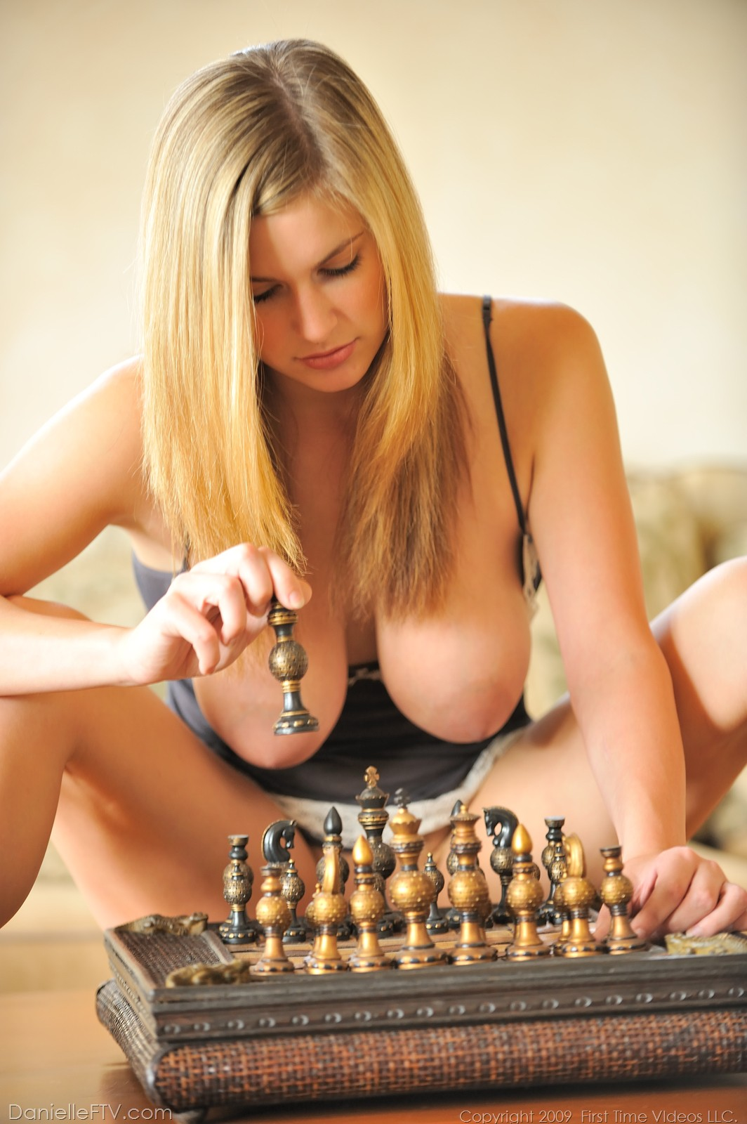 Эротические фигуры в шахматах фото 3 фотография